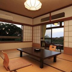 伊豆大島の四季の風を感じる「和室6〜10畳」