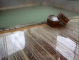 【自炊部・素泊まり】アメニティ完備!湯治や療養、温泉好きの方必見!緑に包まれた静かな環境♪