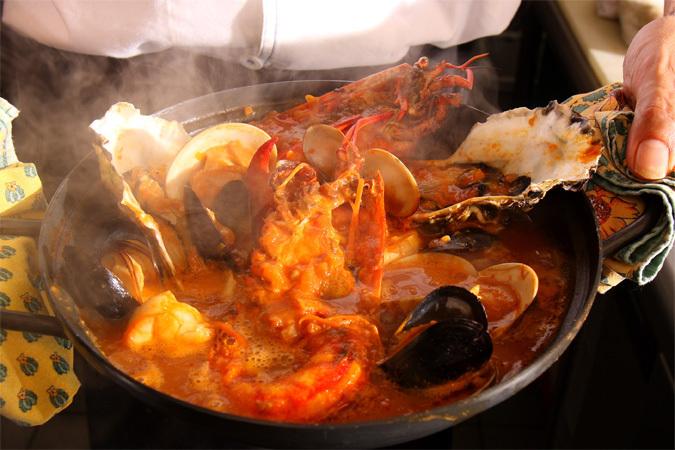ブイヤベースプラン★活きオマール海老入り!牡蠣や魚貝の旨みたっぷりの濃厚トマト鍋
