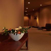 【一泊二食付】美術館のような花の宿で、金泉・銀泉と季節の料理を味わう〈基本プラン〉