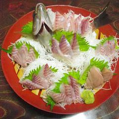 【料理グレードアップ】地魚のお刺身+金目鯛の姿煮付き!