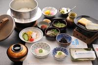 【18:30〜夕食開始】★京都の本格会席に舌鼓を★
