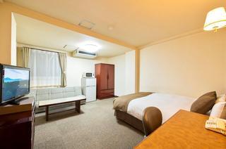 ダブルルーム  広々152㎝幅クイーンサイズベッド