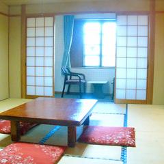和室10畳(トイレ付)