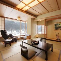 【四季の景色を楽しむ】マッサージチェア付客室