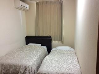 シングルベッド+折りたたみベッド【喫煙】