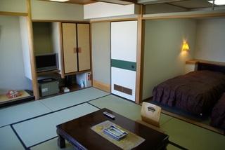 畳でほっこり♪ベッドでゆったり2wayルーム1泊朝食付プラン♪ファミリーやご年配の方に最適です♪