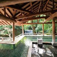 歴史と伝統を感じる純和風客室で四万の温泉を堪能!『上州牛源泉蒸しをメインとした山桜懐石』お食事処にて