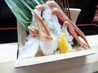 【冬の味覚】<越前カニづくしコース>茹で蟹(中)・炭火焼蟹・蟹刺し・蟹釜飯付