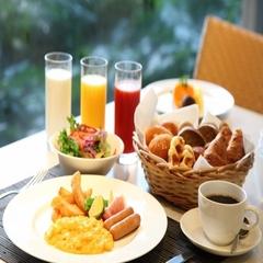 ★☆ NEW ☆★ 疲れた身体にイケ麺チャージ!選べるパスタのルームサービス夕食付きプラン
