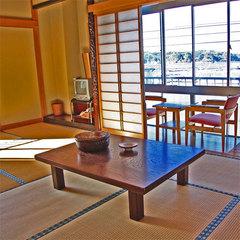 海側和室12畳【バス・トイレ付】