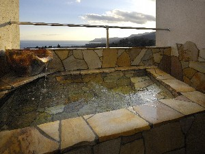 【素泊まりプラン】海一望専用露天風呂付客室からは満天の星と夜景が見えるプラン!