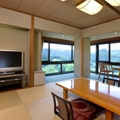 湖を展望できる和室角部屋(2021年4月より室内禁煙)