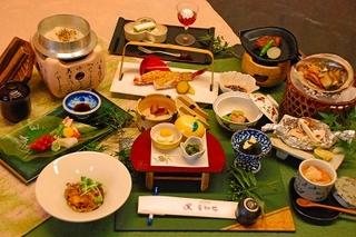 【スタンダードプラン】季節の会席料理★須玉温泉で癒される!≪1泊2食付き≫和室