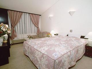 ソファー付きダブルベッドルーム