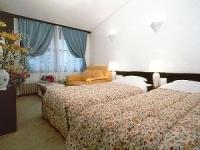 ソファー付ツインベッドルーム