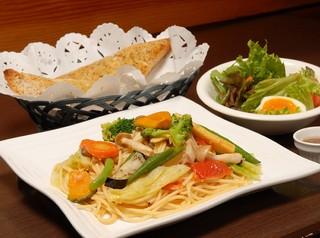 1泊2食+選べる特典(QUOカードor現金1000円)付プラン