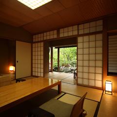 【秋冬旅セール】【離れ家】日本庭園に佇む紅塵庵で優雅なひとときを(会場食)