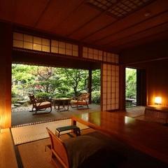 【日本庭園に佇む離れ家】隠れ家的雰囲気をもつ「紅塵庵(こうじんあん)」で何にもしない贅沢を(会場食)