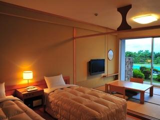 阿蘇側和洋室【ベッド2+和室4.5畳】