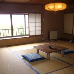富士山の眺望が楽しめる【8畳和室】
