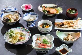 庄内浜のお魚腹いっぱいプラン