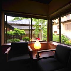 【朝食付き】庭園を眺める離れ風客室「曙」でゆったり朝食を