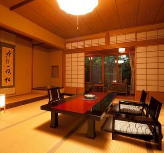 1階【露天風呂+内湯付き】和室(10畳+8畳)広縁 箱庭付き