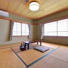 *日本庭園と池を眺める◆2階/和室8畳