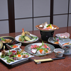 【迷ったらこちら/2食付】割烹旅館のお料理満喫コース♪〜大浴場貸切無料特典付〜