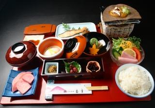 「現金特価」☆1泊朝食プラン朝食は朴葉みそ付き和朝食・温泉24時間入浴OK☆