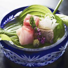 【春の美食フェア】〜厳選食材と美酒を堪能、優雅な春の滞在〜蔵王牛+山形地鶏+桜マス+地酒特典
