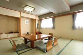 【お部屋グレードアップ】★64平米の特別和洋室でのんびりとお過ごし下さい♪