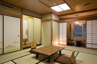 和室8〜12畳山側(標準客室)