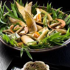 【春限定】ゆめや「桜庵」で楽しむ野遊び料理〜あつあつ山菜の天麩羅とにいがた和牛の網焼き〜
