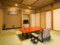 露天風呂付客室『紫苑』和室10畳+ダイニングルーム