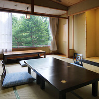 【庭園に面した】瑞雲8帖客室/本館