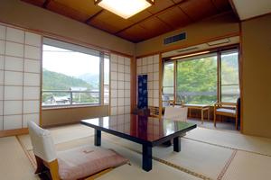 和室8畳道路側【6/6〜9/21の期間ご夕食は川床】