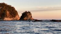 【鯛の浦サンセットクルーズ×伊勢海老・鮑会席】海一面をオレンジに染める夕日を眺めよう〜遊覧船周遊〜