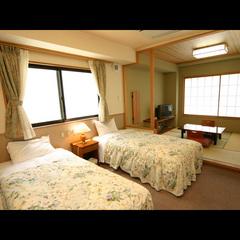 バリアフリールーム【和室4.5畳+ベッドルーム4畳】時の間