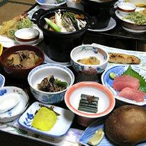 【5名様以上かつ3泊以上】☆大人のおとまり会プラン☆/源泉の湧く湯治宿・地産食材