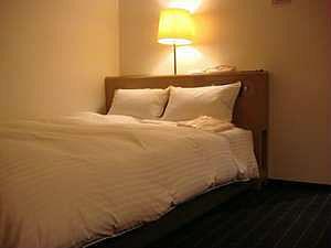 ◆ダブル/喫煙◆140cm幅ワイドベッド/16.4平米◆