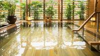 【桜薫楽プラン】お食事処確約、74平米鬼怒川渓流沿い客室◆料理長厳選のお料理を愉しむ滞在(夕朝食付)