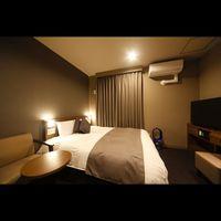 <喫煙クイーンルーム>16平米、エアウィーヴ社製ベッド