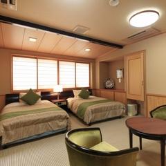 【特別貴賓室】ヒノキの展望温泉付き客室で優雅なひとときを【当館人気】