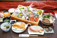 デラックス萬亀会席プラン(舟盛り+あわびのバター焼き付き)