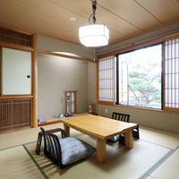 望郷風景【いわかがみ・あざみ】和室8畳+信楽焼半露天風呂