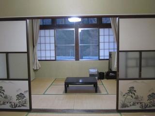 和室二間続きのお部屋です。