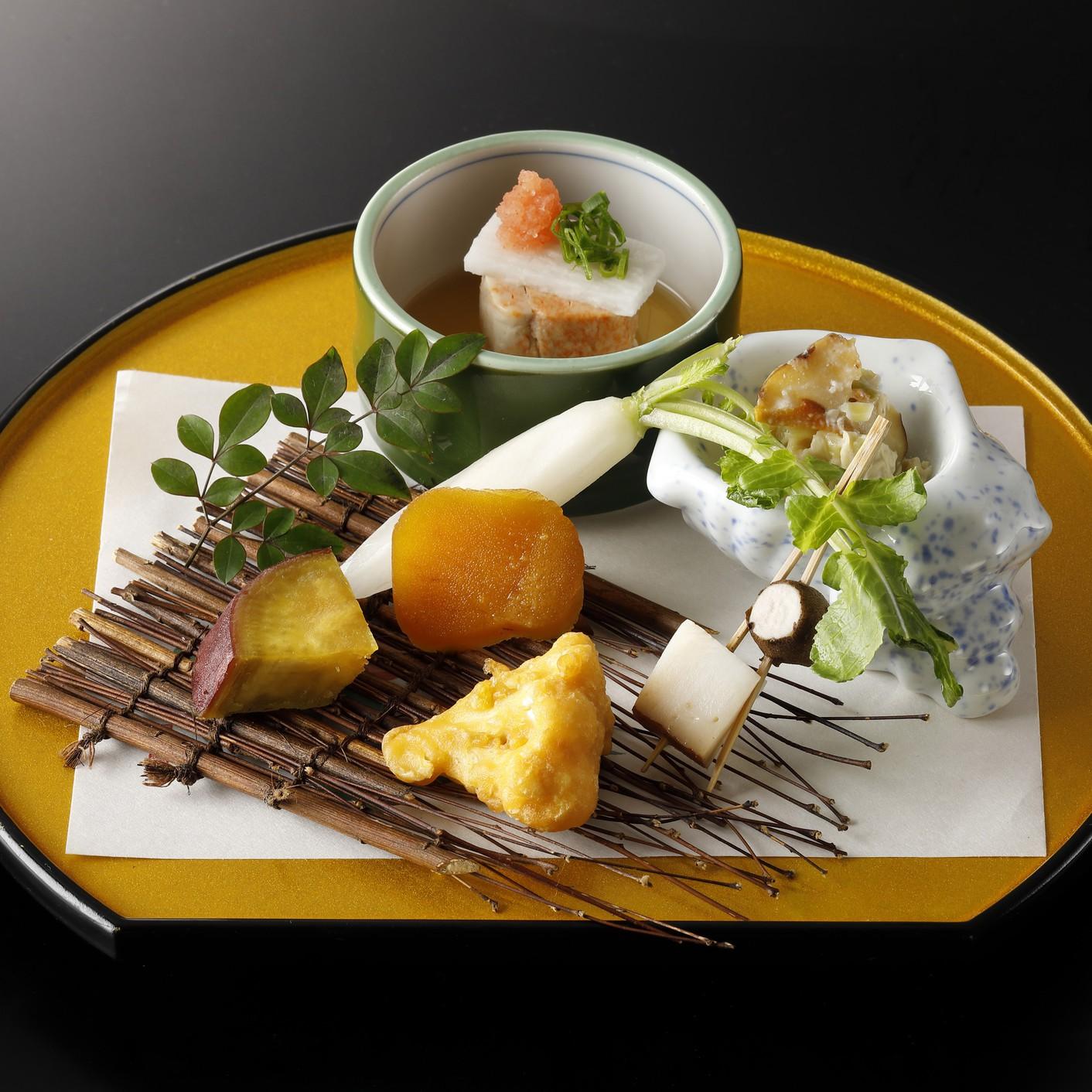 【秋冬旅セール】「【別荘のような寛ぎの離れ】 掛け流し温泉と季節の会席料理を楽しむ