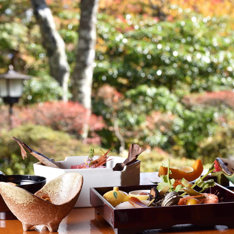 【秋冬旅セール】岩崎家別荘時代のお部屋◆庭園からの風に心安らぐ時間〜広々二間続き「晴旭」